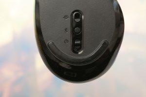 souris Microsoft Sculpt Comfort Mouse : une souris Windows sans dongle, haut de gamme et économique