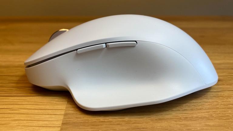 Examen de la souris sans fil ergonomique Bluetooth Microsoft